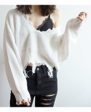 Load image into Gallery viewer, White Frayed Cropped Knit Sweater