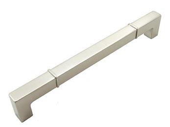 8 inch C/C Rectangular w / Lines at Edges Pull