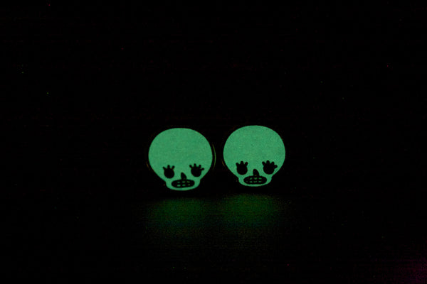 glow in the dark skull earrings