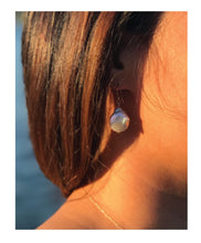 Load image into Gallery viewer, Coin Pearl Earrings
