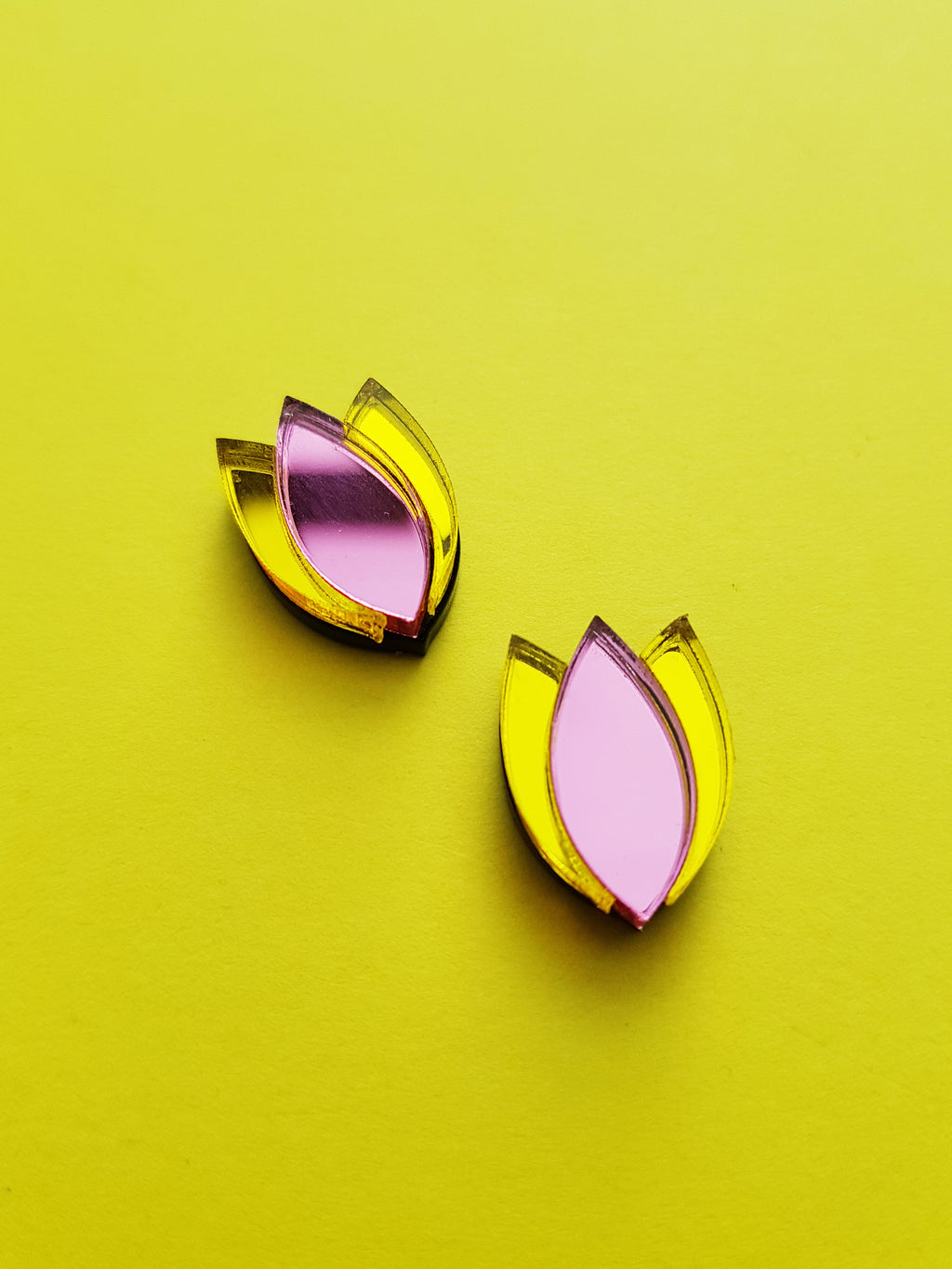 Dahlia Stud Earrings (pink/yellow)