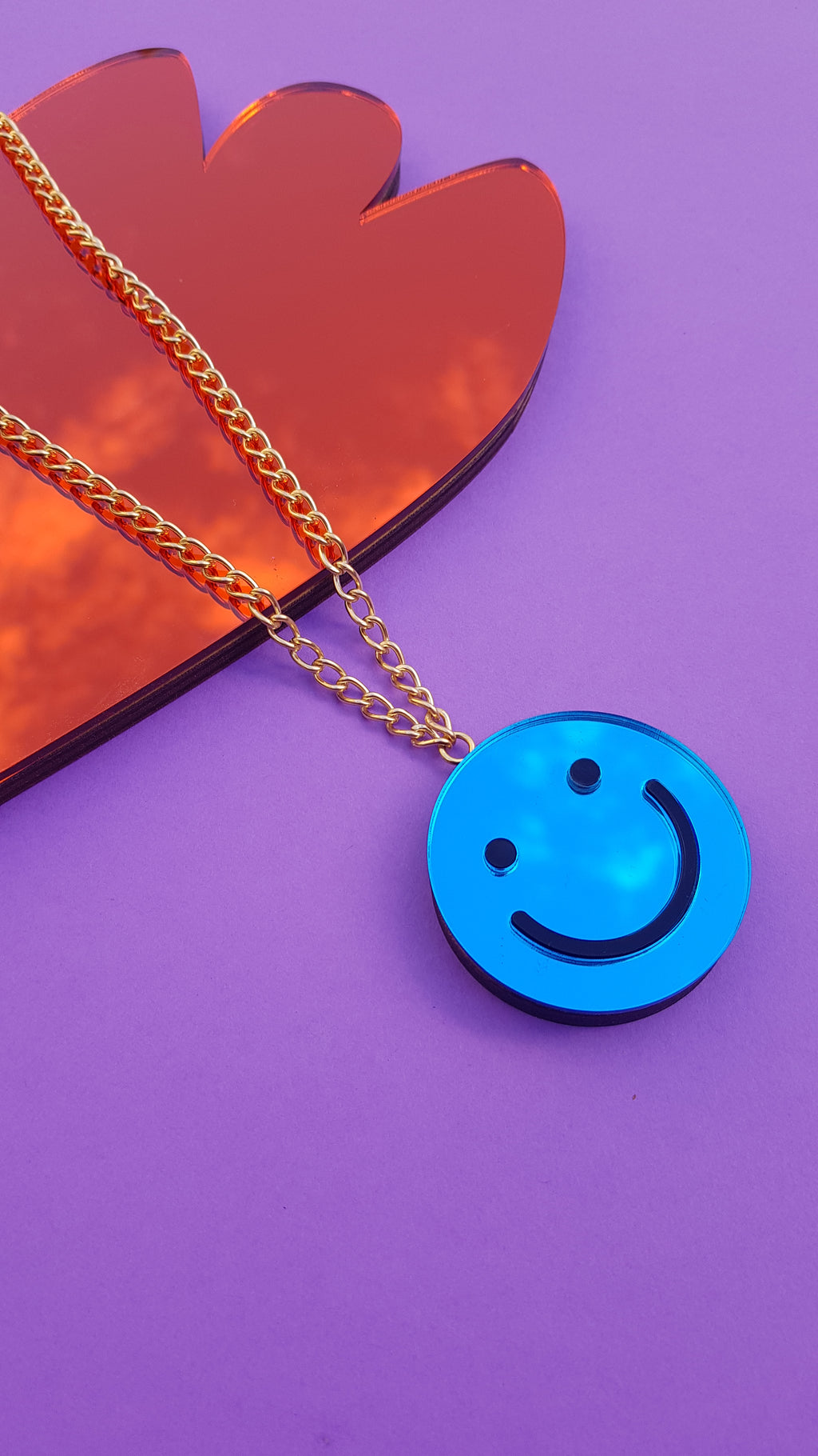Single smiley face necklace
