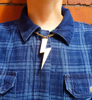 Statement lightning bolt necklace gold