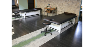 PHS Chiropractic - ME2001 Bariatric Elevating Treatment Table - Superb Massage Tables
