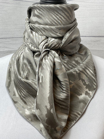 The Greywood Silk Jacquard Rag