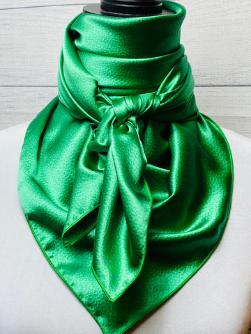 Solid Kelly Green Hammered Silk Rag