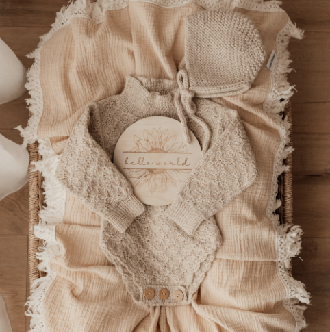 BEIGE SWADDLE WITH NATURAL FRINGE