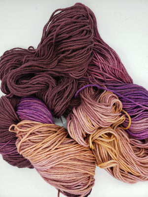Chinook Worsted Weight - FIG - 100%  Merino Wool Yarn - Hand Dyed Variegated Shades of Pink/Burgundy