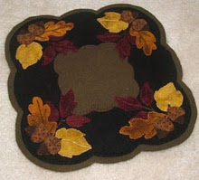 Fallin Leaves Wool Applique Pattern - Candle Mat