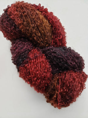 Wool Curly Locks - CRANBERRY CHUTNEY - Hand Dyed Textured Yarn - Landscape Shades
