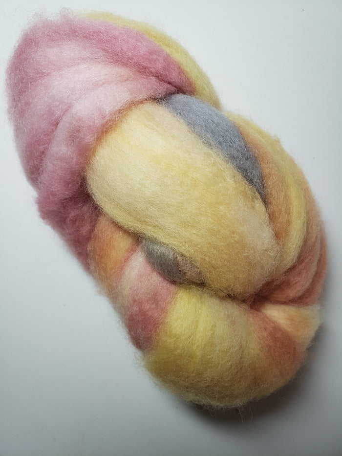 Corriedale Sliver - FIRE OPAL - Hand Dyed Fleece - Shades of Pink/Yellow/Grey