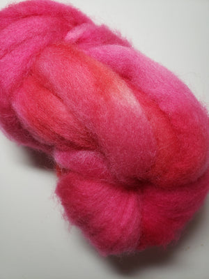Corriedale Sliver - ITALIAN ROSE - Hand Dyed Fleece - Shades of Pink/Rose