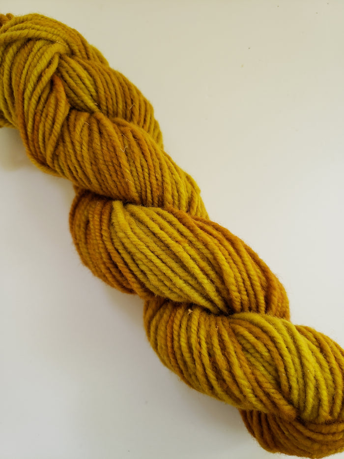 MINGOLD - Wonder Woolen Fleece Artist Hand Dyed Yarn - Shades of Gold/Yellow
