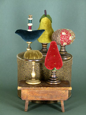 GAIL WILSON - ROUND VINTAGE STYLE PINCUSHION on a PEDESTAL - Complete Kit