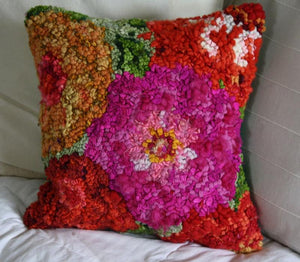 "SUMMER FLOWERS  - 15"" x 15"" - Complete Rug Hooking Kit/PILLOW - Deanne Fitzpatrick Design"