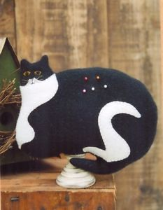 Cat Pincushion based on a Warren Kimble Design - Wool Applique Kit with Pattern