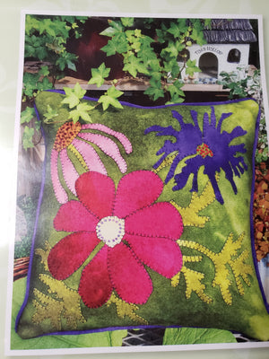 In Full Bloom Pillow Wool Applique Paper Pattern - Wooly Lady
