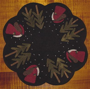 Old St. Nick Table Mat -  Wool Applique Pattern