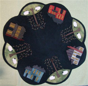 Saltbox Table Mat -  Wool Applique Pattern