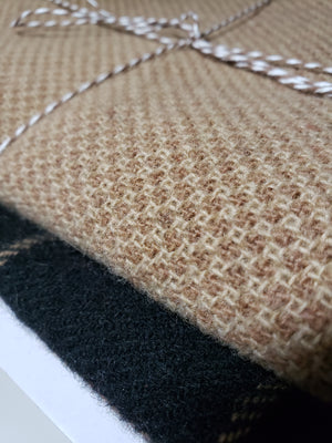 RSS161 - BEIGE HOMESPUN - 1/3 yard - BEIGE and BLACK Primitive Wool Bundle for Rug Hooking or Wool Applique