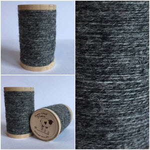 906 Rustic Moire Wool Thread