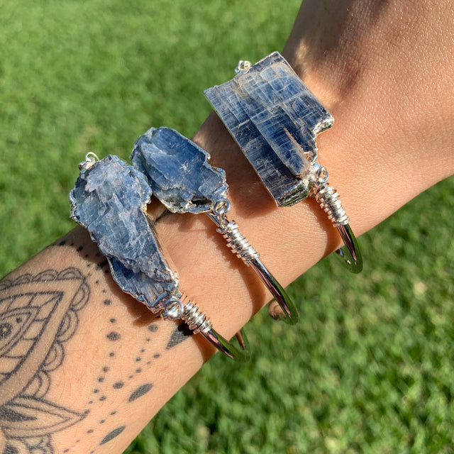 Blue Kyanite wire wrapped bangle, Silver