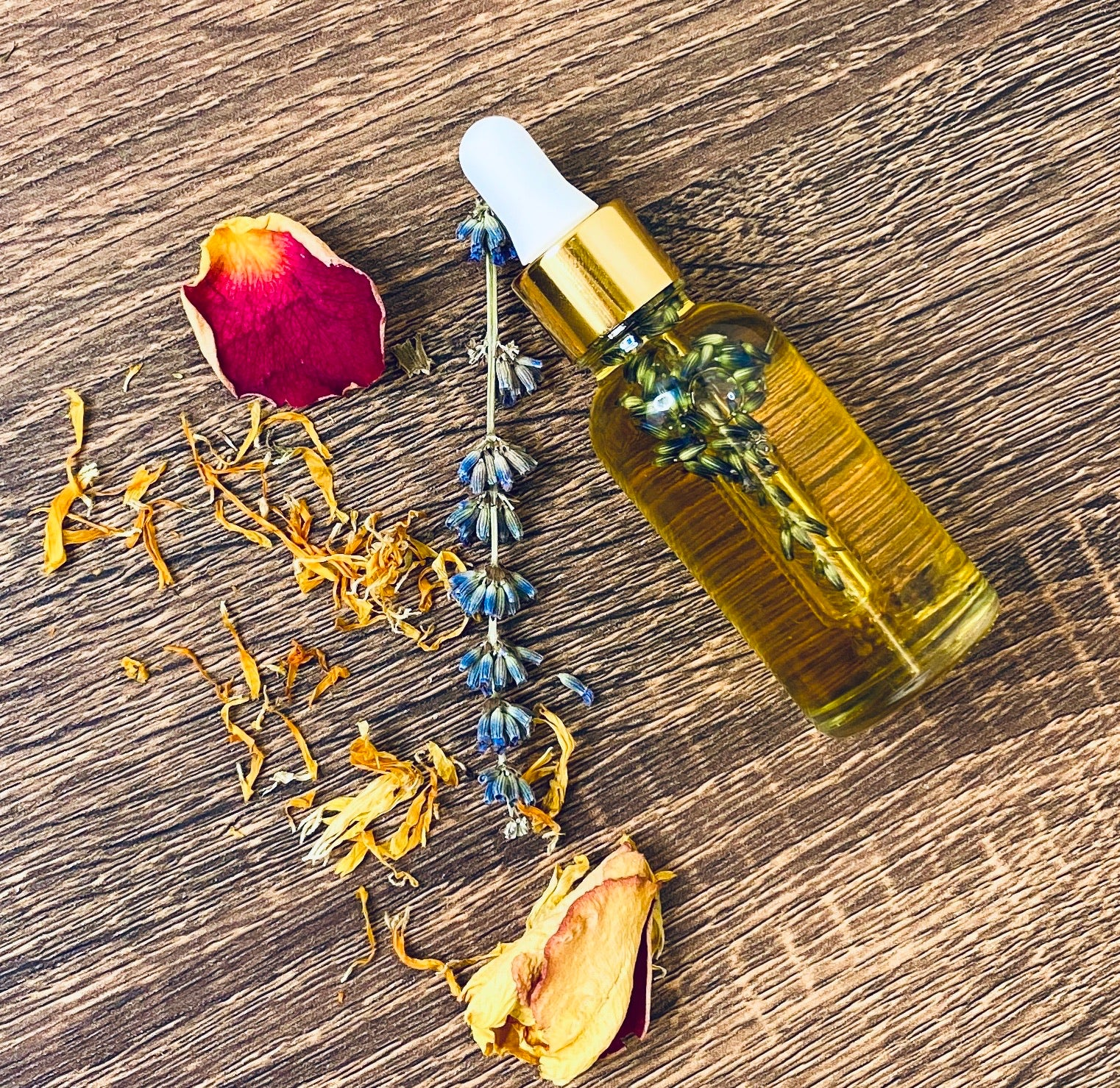 Calendula Goddess Oil infused w/ Lavender and Rose Oil