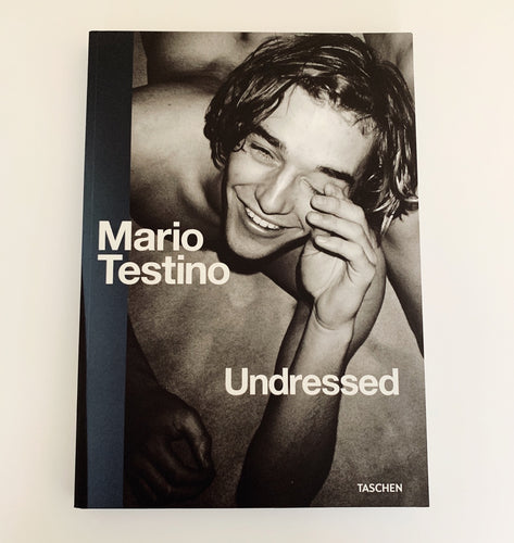 Mario Testino - Undressed (Softback)