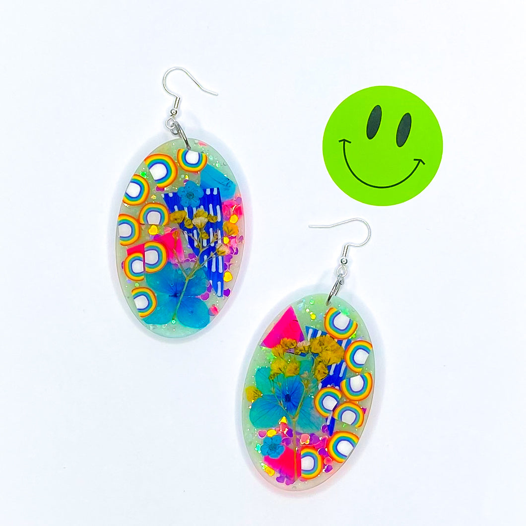 ★★ Flip Flop Rainbow Bop Artsy Oval **IMPERFECT**