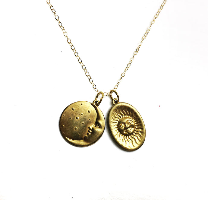 The Sun and Moon Charm Necklace - Luni