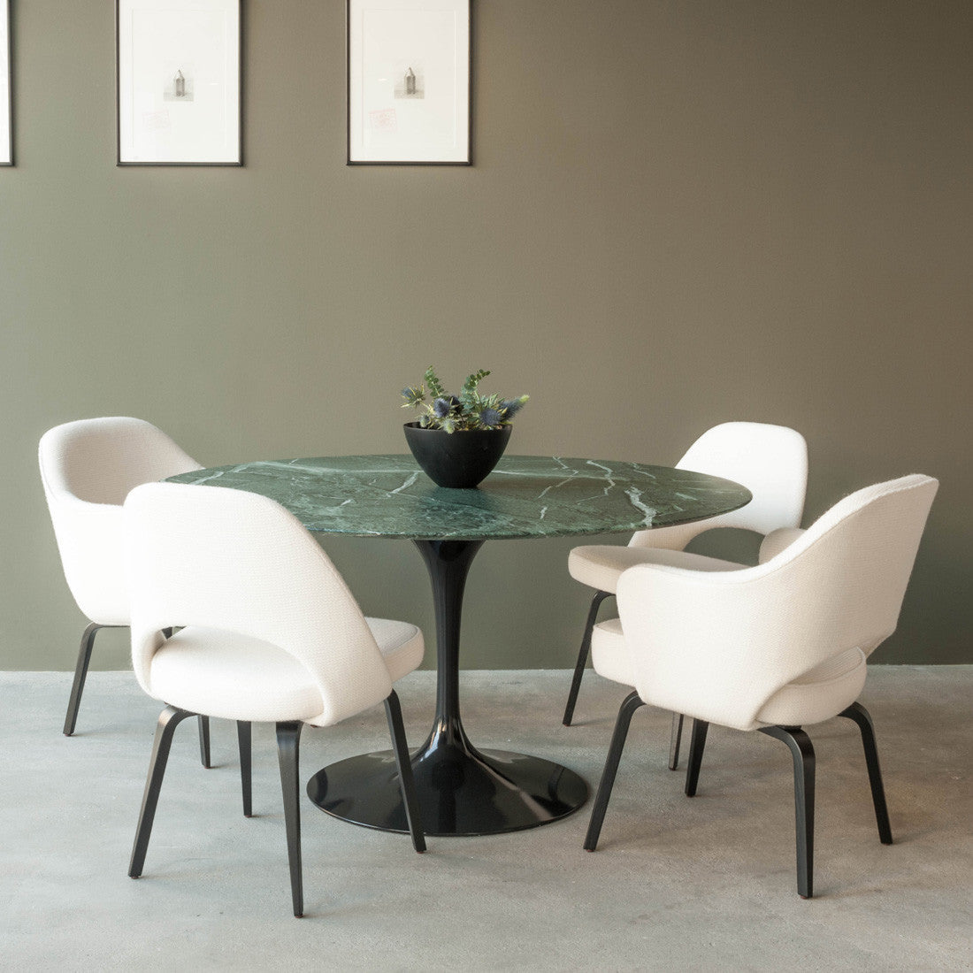 haus tulip dining table by eero saarinen knoll. Black Bedroom Furniture Sets. Home Design Ideas