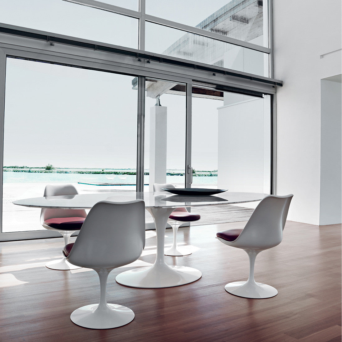 daf41a28ec6c Tulip Oval Dining Table by Knoll — haus®