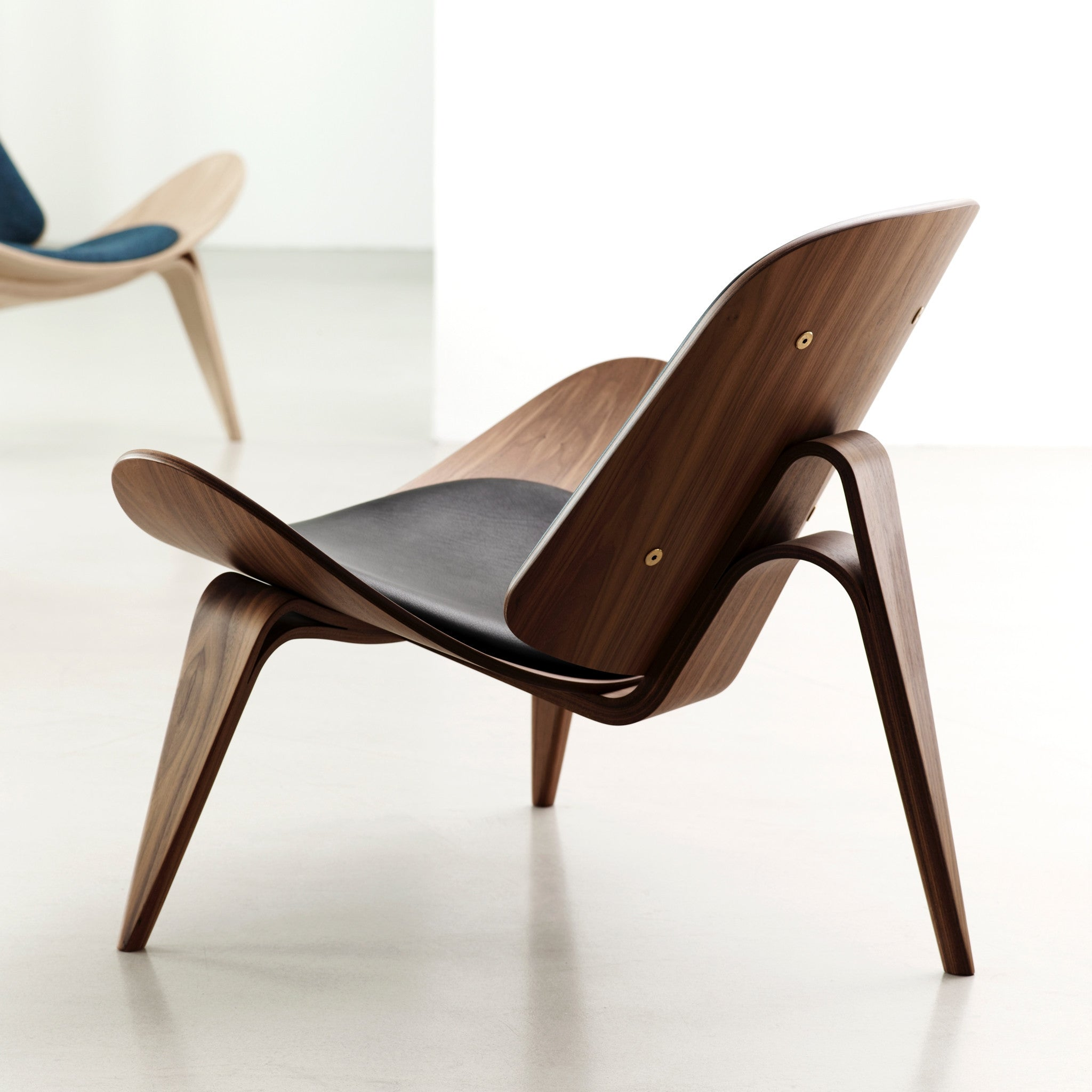 sharp shell chair lounge within living resmode pd design reach chairs hei