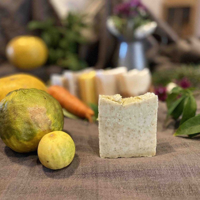 Load image into Gallery viewer, Kaffir Lime and Grapefruit Body Bar