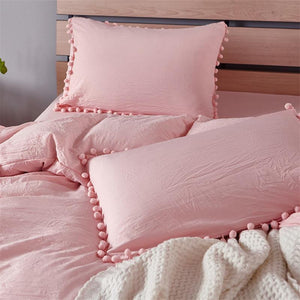 Pom Pom Bedding Set