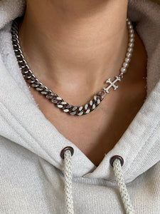 THE ADAMAS PEARLY CHAIN CHOKER