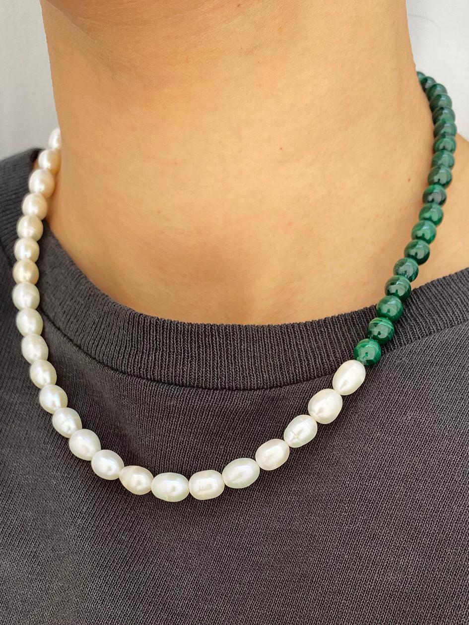 THE MALACHITE FRESHWATER PEARL NECKLACE