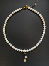 Load image into Gallery viewer, PIN THROUGH MY PEARL FRESHWATER PEARL CHOKER GOLD