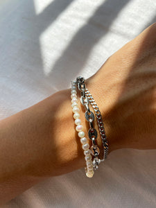 CUPES FRESHWATER PEARL BRACELET SET SILVER