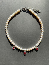 Load image into Gallery viewer, TRIO RED GEM FRESHWATER PEARL CHOKER