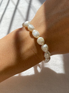THE BAROQUE FRESHWATER PEARL BRACELET
