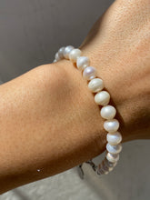 Load image into Gallery viewer, THE FRESHWATER PEARL BRACELET