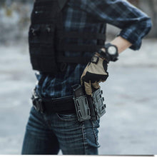 Load image into Gallery viewer, Universal Pistol MOLLE Magazine Pouch