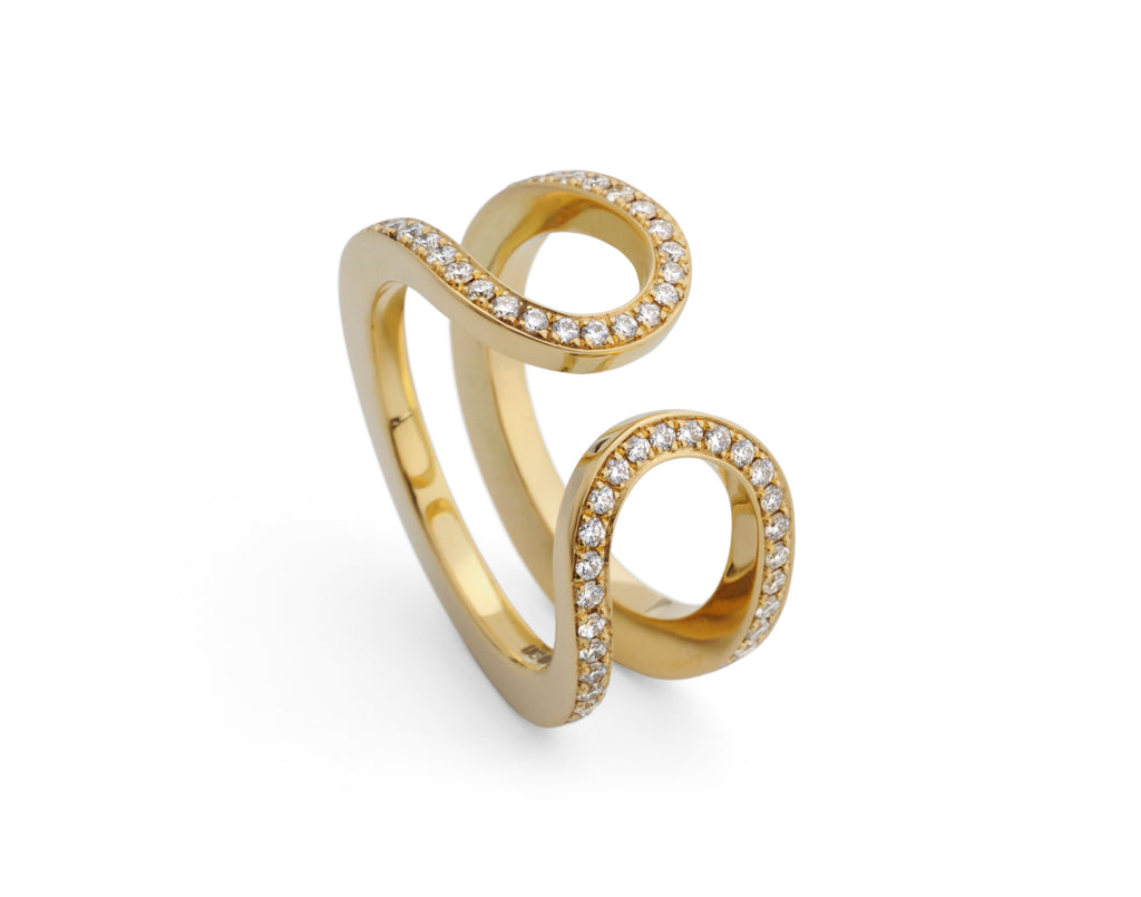 Alternative open loop wedding ring in yellow gold with white diamonds