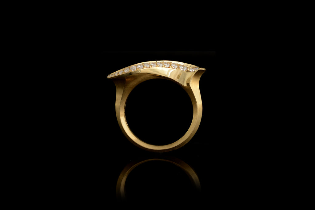 Sigma 18ct yellow gold carved cocktail ring
