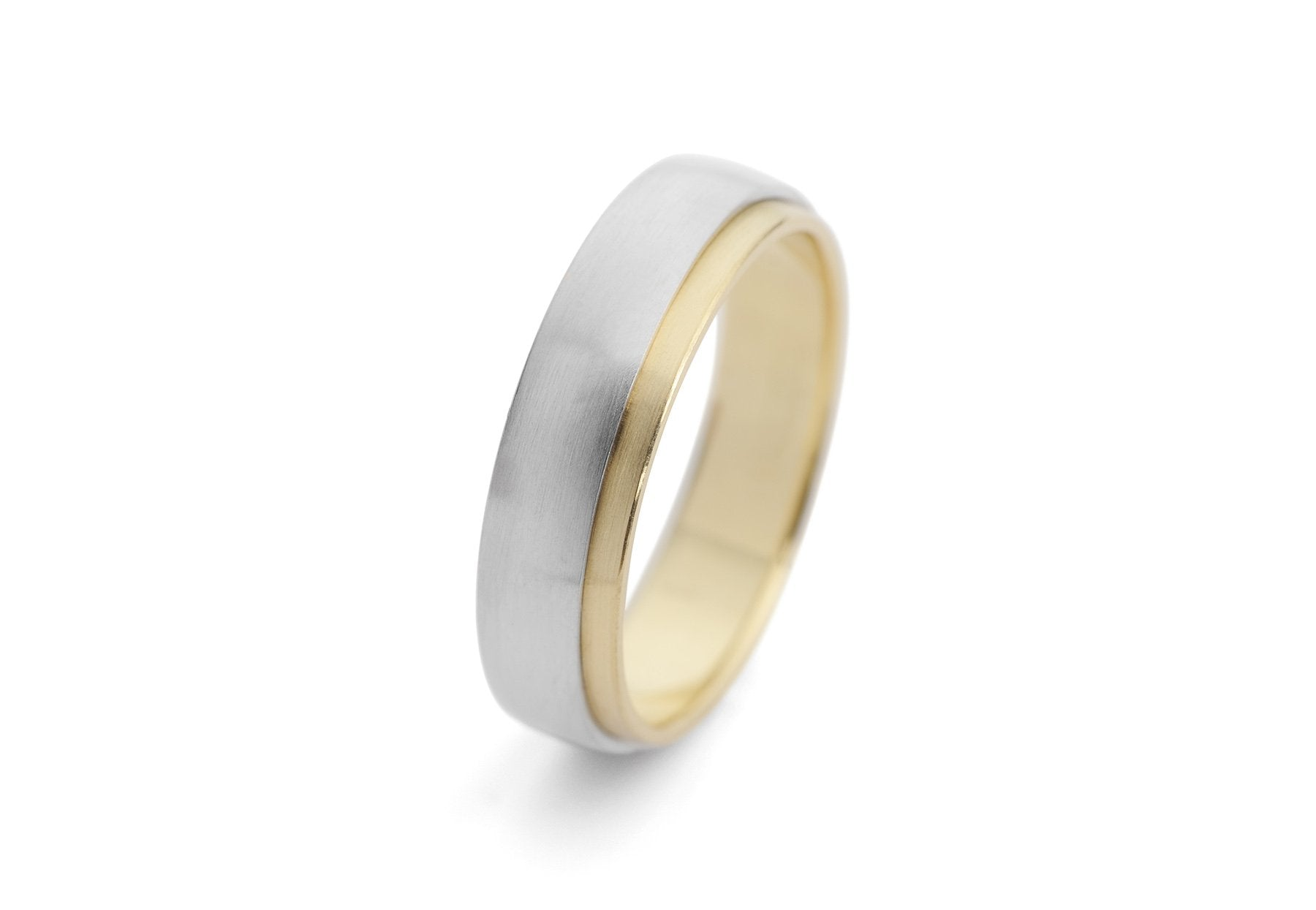 Sleeved men's mixed metal wedding band in 18 carat yellow gold and platinum