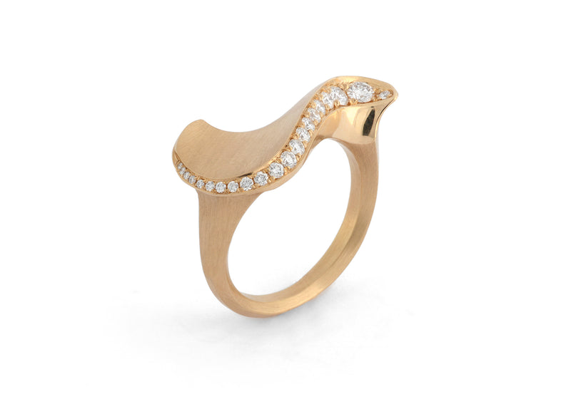 ARRIS-Sigma-18ct-rose-gold-white-diamonds-ring-3