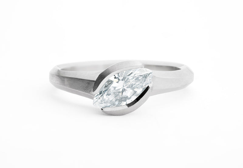 Arris-ring-platinum-marquise-white-diamond