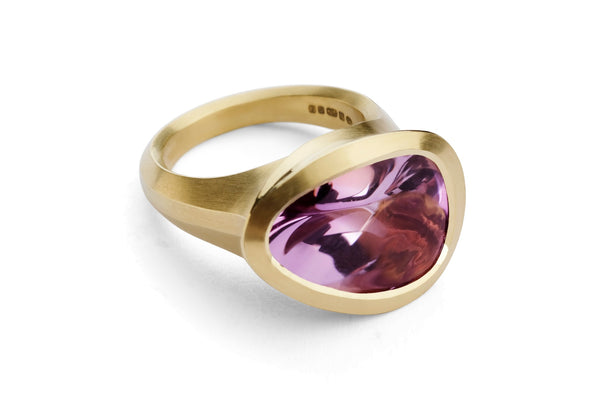 Carved yellow gold Arris cocktail ring with fancy cut amethyst