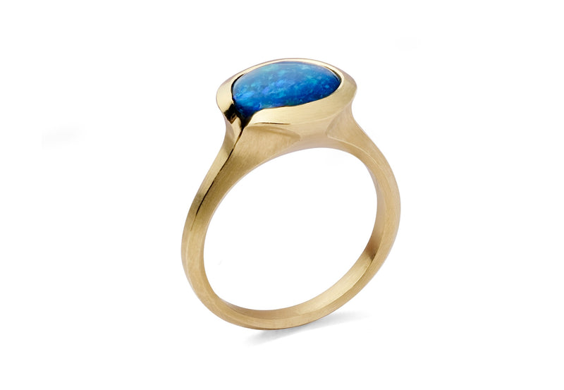 Carved yellow gold and black opal Arris cocktail ring